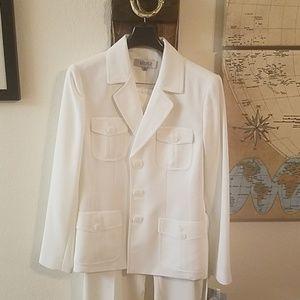 Brand new size 8 Kasper ivory 2-piece suit
